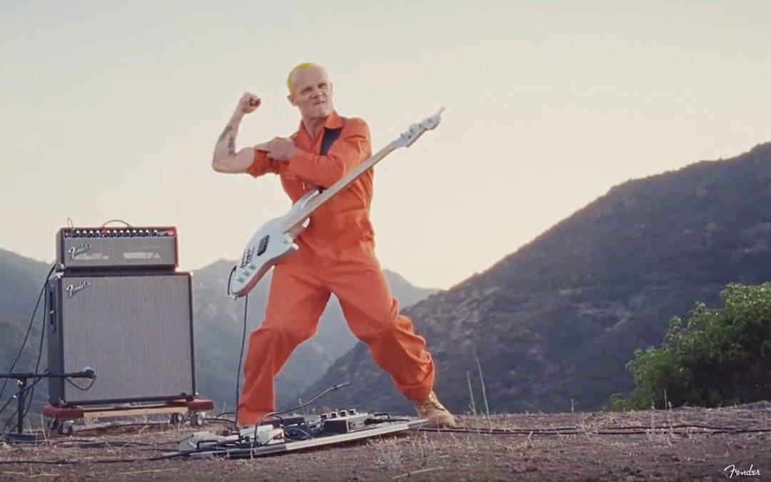Kolejny bas Fendera z sygnaturą Flea