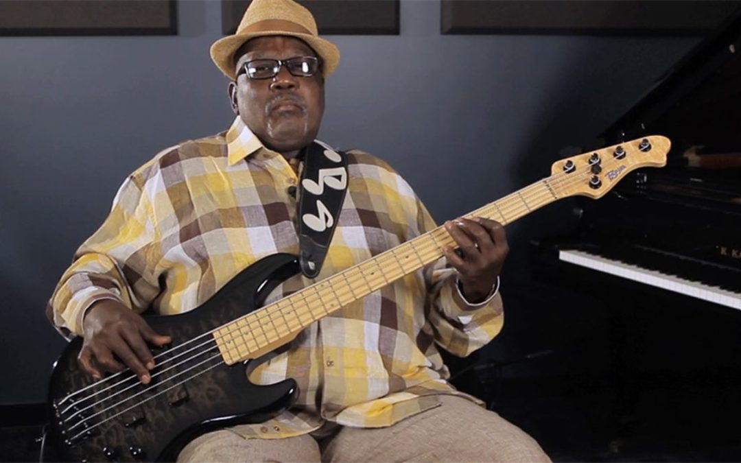 Nate Watts udziela lekcji dla Bass Guru